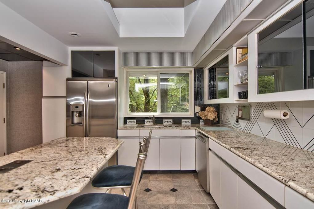 vacation rentals kitchen