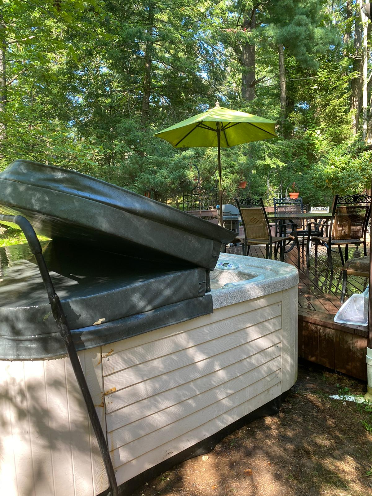 best vacation rentals with hot tub near me